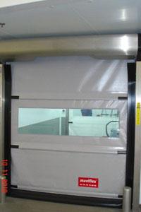 Porte souple à enroulement et enroulable automatique