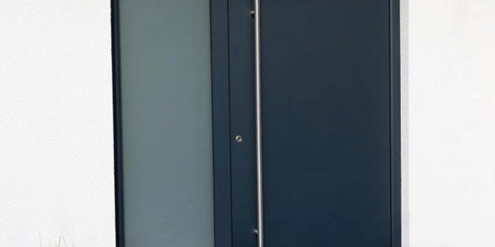 Portes d'entrées aluminium dans le Doubs